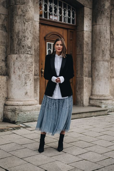 Silvester Outfit: Samt Blazer & Sock Boots mit Tüll