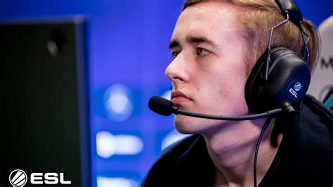 """Dota 2 Feature: """"You need to be striving to go further"""